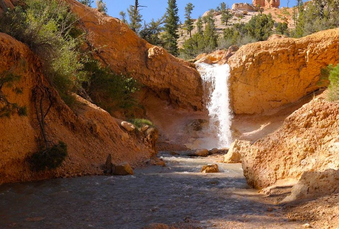 Mossy Cave Trail in Bryce Canyon