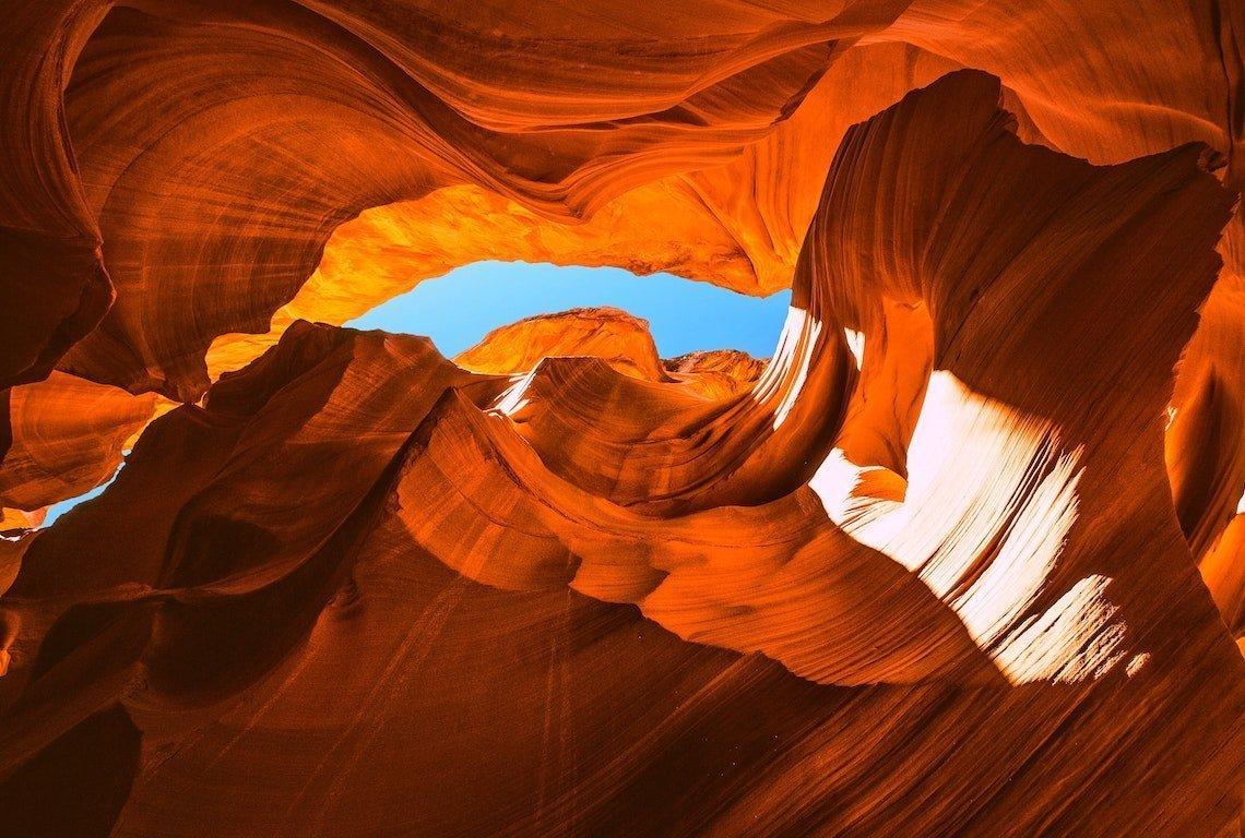 Lower vs Upper Antelope Canyon